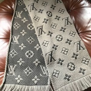 Louis Vuitton logomania LV wool silk logo scarf